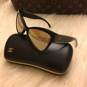 Authentic Chanel sunglasses 18k gold trimmed